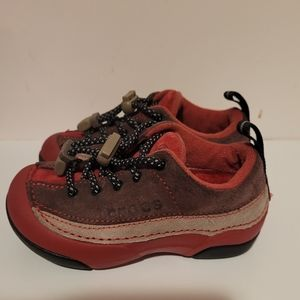 Toddler Dawson Suede crocs sneakers size 8 C